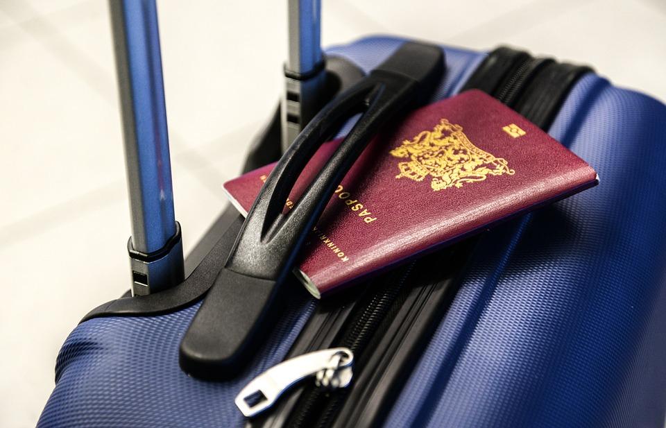 wyjazd z dzieckiem na wakacje - niezbędne dokumenty